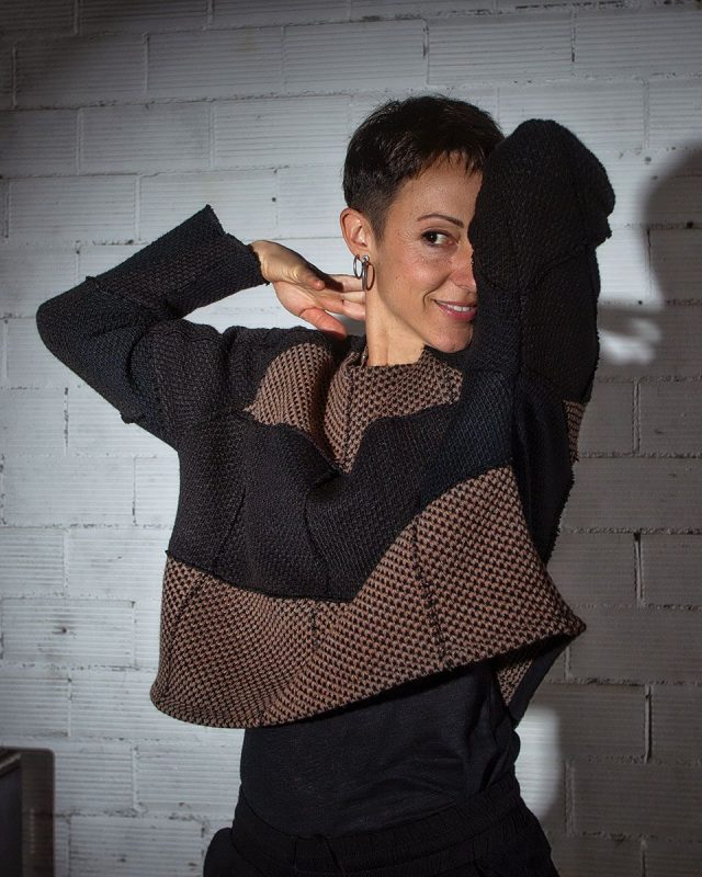 Pullover-BELL-shaped-front